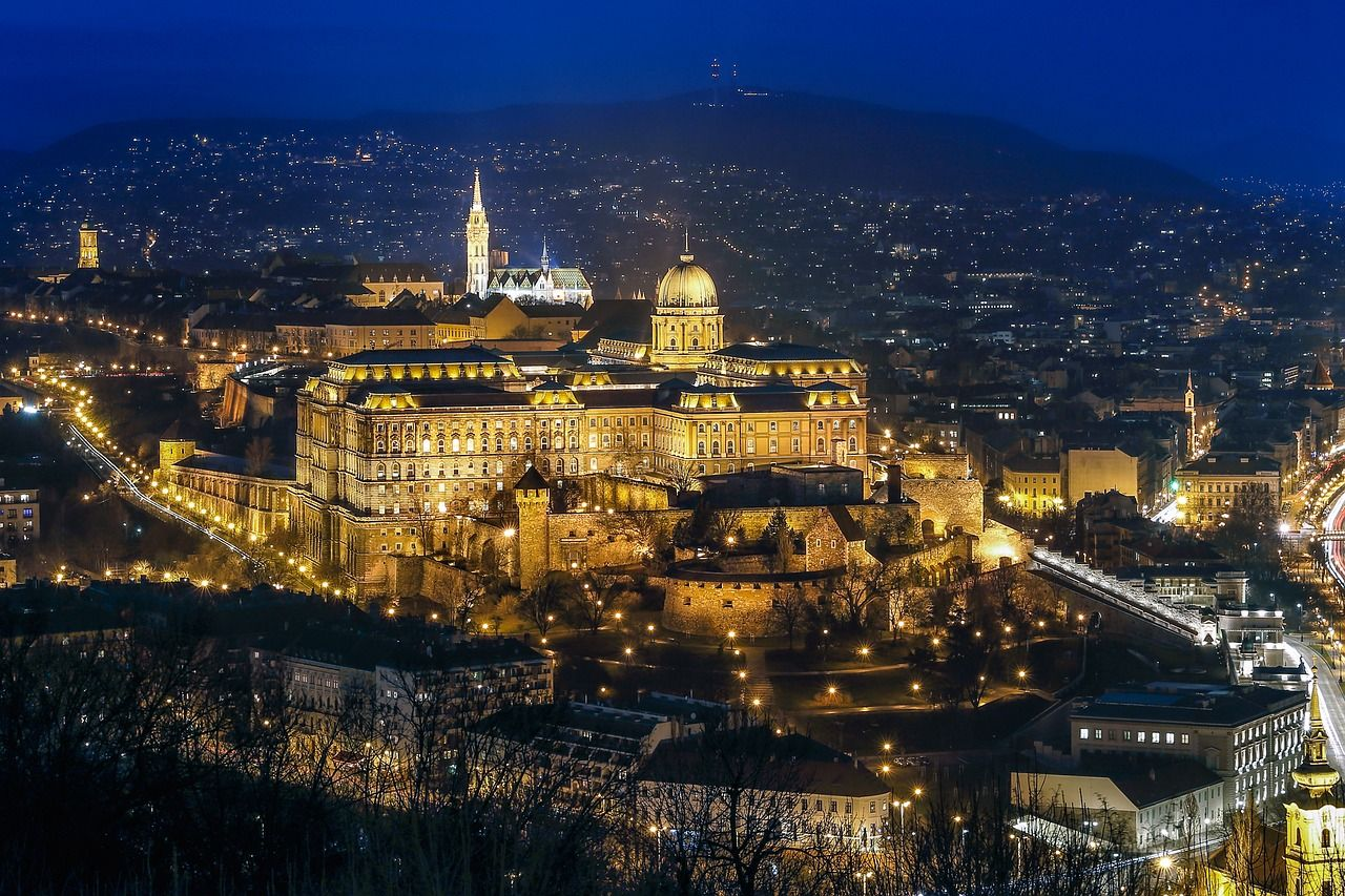 The Best Way to Get From the Budapest Train Station to Budapest Airport